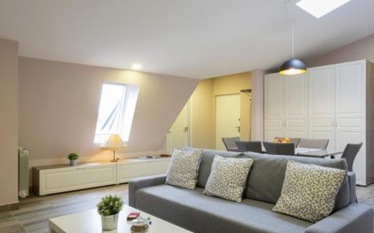 three bedroom apartment delice seating area