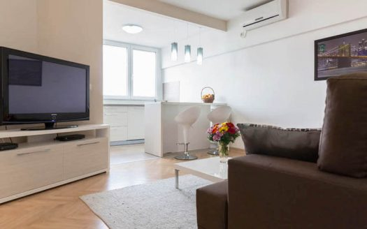 Apartment City View tv in living room Basco